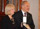 Latvijas prezidents un ministre apsveic mūsu sudraba bobslejistus; sagaidīšana - šonakt