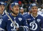 """Karsums un Daugaviņš rezultatīvi piespēlē, """"Dynamo"""" otrā uzvara"""