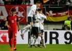 Vācija nosargā perfektu bilanci, Polija uzvar jautrā sešu vārtu spēlē un kvalificējas
