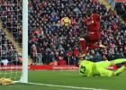 """""""Liverpool"""" sagrauj """"West Ham"""" un vismaz uz dienu iegūst vicelīderes godu"""