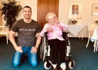 Kļičko apciemo savu 111 gadus veco fani