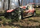 Video: Mīke pēc smagas avārijas iznīcina savu automašīnu