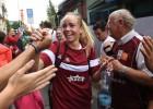 Jaunās vilcenes un meitene-dankotāja: Latvija un Somija tiksies Rozā lentītes spēlē