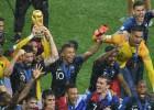 Francija ļoti rezultatīvā finālā izcīna Pasaules kausu