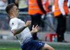 """Tripjē ar skaistu tiešo brīvsitienu izrauj uzvaru """"Tottenham"""", Kārdifā aci pret aci spēlē dvīņi"""