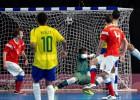 Video: Krievijas izlases telpu futbolists finālā amizanti sit bumbu savos vārtos