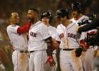 """Mačado trīs punkti, taču Pasaules sēriju ar uzvaru sāk """"Red Sox"""""""