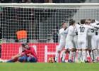 """Sprādziens aizēno """"Ajax"""" panākumu Atēnās, CSKA izgāžas Maskavā"""