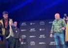 """Video: MMA čempions ar """"čūsku"""" mēģina iebiedēt pretinieku"""