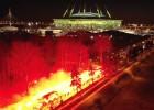 """Video: """"Zenit"""" autobuss iebrauc fanu sarīkotā pirotehnikas šovā"""