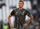 """Mandžukičs pagarina līgumu ar """"Juventus"""" vēl uz divām sezonām"""