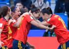 Pasaules kauss dāmām: Spānija atspēlējas un galotnē izrauj uzvaru, nervozē arī Vācija