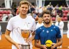 Džarrī un Lajovičam pirmās trofejas, Isners ceturto reizi uzvar Ņūportā