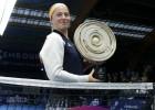 Ostapenko ar iespaidīgu tenisu finālā sakauj pagājušā gada čempioni Gērgesu