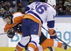 ''Flyers'' uzvar Ņujorkā, Bārtulis atkal rezervē