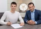 """Latviešu pussargs Ontužāns paraksta trīs gadu līgumu ar Minhenes """"Bayern"""""""