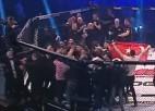 Video: MMA mačs noslēdzas ar masveida saķeršanos