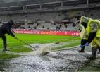 Lietus pārceļ A sērijas augšgala komandas spēli