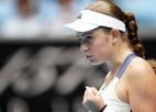 """Ostapenko un Dabrovski iekļūst """"Australian Open"""" ceturtdaļfinālā"""