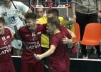 Video: Latvija florbolisti turpina nevainojami, trīs uzvaras trīs spēlēs PČ kvalifikācijas turnīrā