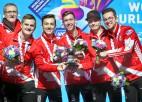 Kanādas kērlingisti pasaules junioru čempionātā izcīna trešo titulu pēc kārtas