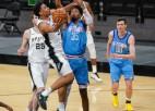 """Kurucs debijā tiek pie 21 minūtes, """"Rockets"""" astoņu vīru sastāvā piekāpjas """"Spurs"""""""