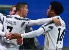"""Ronaldu iesit, Ščensnijs glābj, """"Juventus"""" iegūst Itālijas Superkausu"""