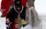 "Video: NHL mačā salaulājas ""Blackhawks"" fans un ""Wild"" fane"