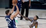 """Bez Porziņģa un Dončiča """"Mavericks"""" atspēlē 22 punktu deficītu pret """"Jazz"""""""