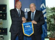 Indriksons atbalsta Blatera pārvēlēšanu FIFA prezidenta amatā