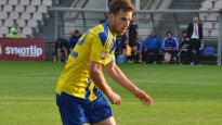 """Bijušais """"Ventspils"""" aizsargs nopelna vienu no muļķīgākajiem noraidījumiem futbolā"""