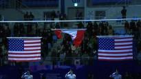 Apbalvošanas ceremonijā notiek kļūme ar karogu
