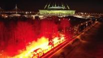 """""""Zenit"""" autobuss iebrauc fanu sarīkotā pirotehnikas šovā"""