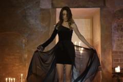 Video: Katrīna Bindere filmē jaunas dziesmas video un izdod dziesmas remiksu