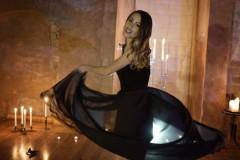 Video: Katrīna Bindere iedzied jaunu Jāņa Lūsēna dziesmu