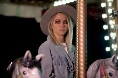 """Video: Aija Andrejeva kantrī noskaņās - jauns singls """"Bungādiņas"""""""