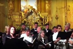 Ar labdarības koncertiem Rīgā viesosies koris no Lielbritānijas InVocoParentis