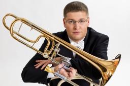 """Liepājas Simfoniskais orķestris un """"Klasikas un romatisma šedevri"""" Kuldīgā"""