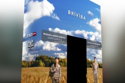 """Aicina ikvienu iestāties """"Goda vārtos"""" simboliskā sardzē par Latvijas vērtībām"""