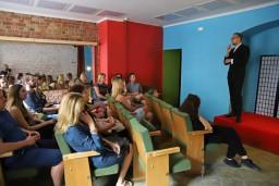 Humors pieaugušajiem un pasākumi bērniem – Čerkovska teātris atklāj sezonu