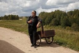 """Jubilāra Gundara Āboliņa jaunākā kinoloma filmā """"Piļsāta pi upis"""""""
