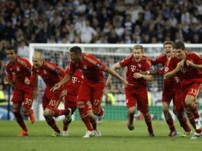 """""""Bayern"""" uzvar pendeļu trillerī un pievienojas """"Chelsea"""" finālā"""