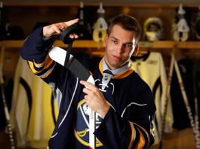 """Par dimantiem, rubīniem un ne tikai. """"Hokeja talantu parāde – 2012"""" 2012-06-28_girgensons_2012_06_22_draft_no_sabres_nhl_com_n7"""