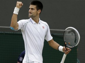 Federers zaudē tikai piecus geimus, nodrošina pusfinālu pret Džokoviču