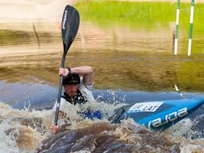 Baltijas airēšanas slaloma virsotnē Kaspars Pakers un Burtnieku novads