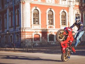 <i>Stuntriding</i> braucējs Grundulis gatavojas sacīkstēm Eiropā un pasaulē