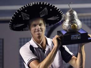 Kverijs ar fantastisku tenisu Akapulko finālā sakauj Nadalu