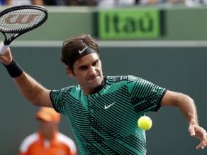 Federers lielisko sezonu turpina ar Del Potro apspēlēšanu