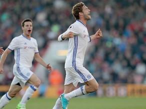 """""""Chelsea"""" uzvar un neļauj pietuvoties konkurentiem"""
