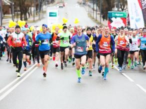 Rēzeknes pusmaratonā uzvar Kažemāka un Žolnerovičs